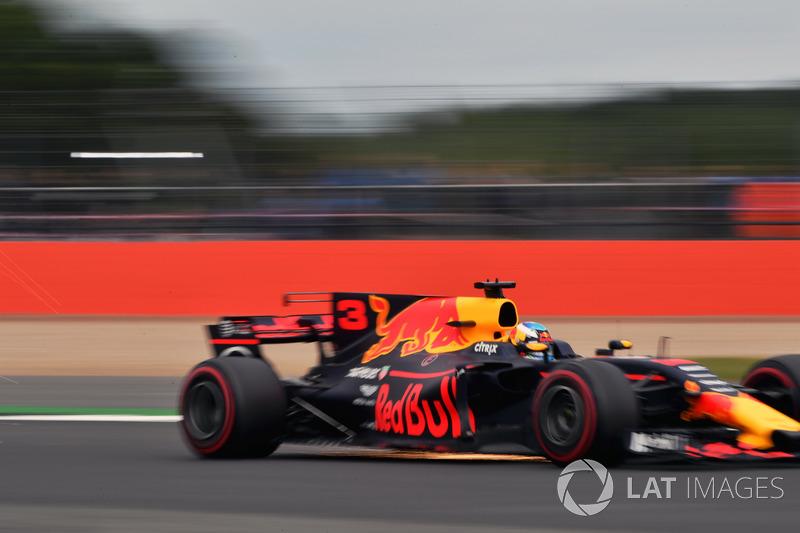 Daniel Ricciardo, Red Bull Racing RB13 chispas