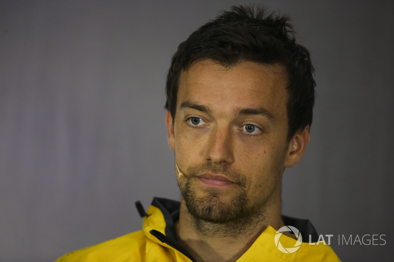 Джоліон Палмер, Renault Sport F1 Team, in the Thursday press conference