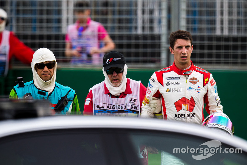 Nach dem Crash: Nick Percat, Brad Jones Racing, Holden