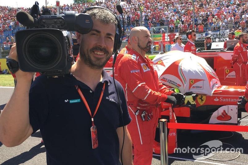 Iker Viana, cámara de televisión de Movistar F1