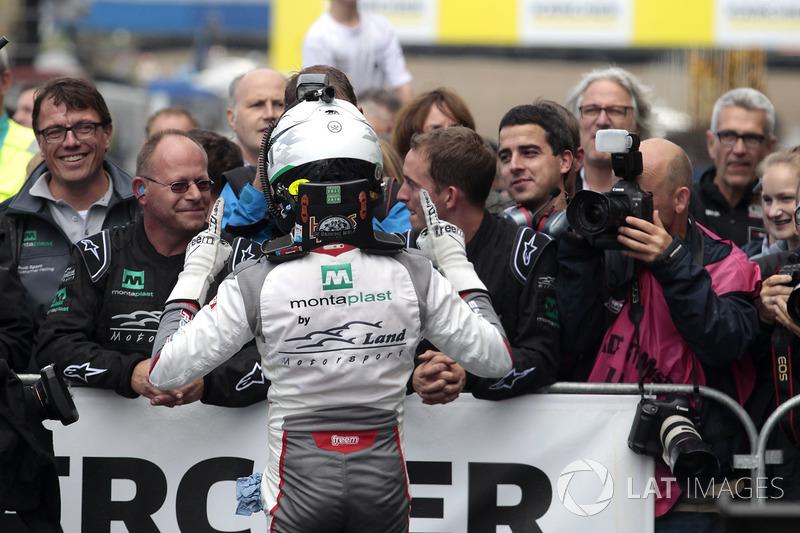 Sieger #1 Montaplast by Land-Motorsport, Audi R8 LMS: Connor De Phillippi