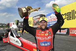 Top Fuel pemenang Shawn Langdon