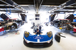 Ford Chip Ganassi Racing Team Ford GT, garage