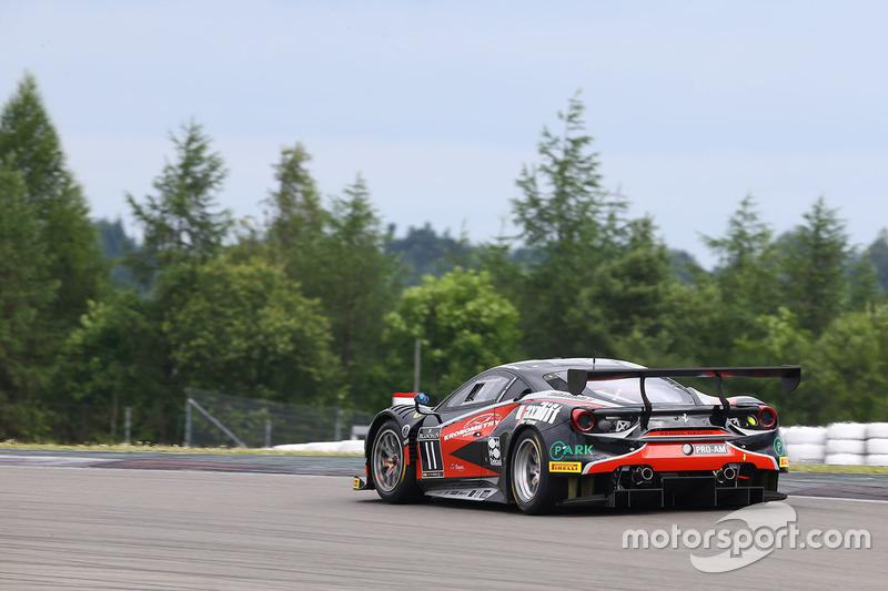 #11 Kessel Racing Ferrari 488 GT3: Michal Broniszewski, Giacomo Piccini