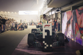 Race winner Lewis Hamilton, Mercedes-AMG F1 W09 celebrates in parc ferme