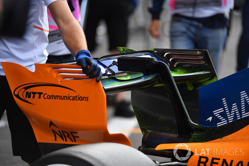 McLaren MCL33 rear wing with aero paint