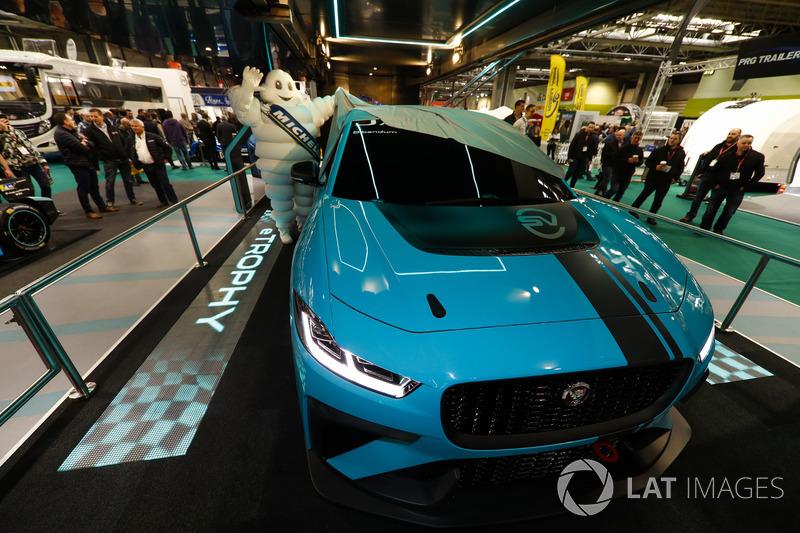 Запуск Jaguar I-Pace eTrophy