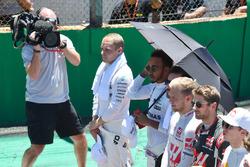 Valtteri Bottas, Mercedes AMG F1 ve Lewis Hamilton, Mercedes AMG F1