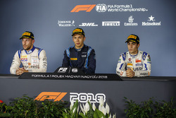 race winner Alexander Albon, DAMS, second place Luca Ghiotto, Campos Racing, third place And Sergio Sette Camara, Carlin