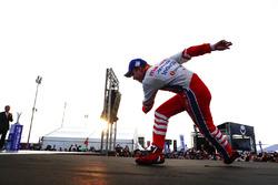 Il vincitore Felix Rosenqvist, Mahindra Racing, festeggia sul podio dopo aver vinto la gara