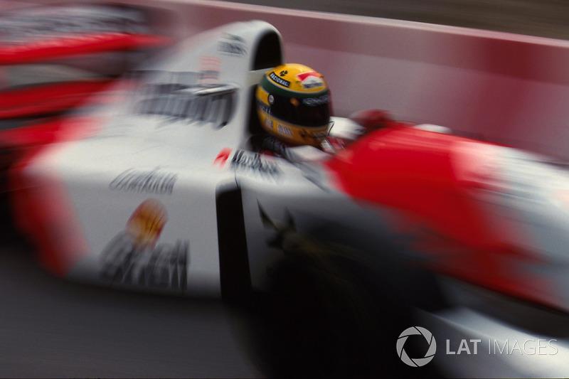 El brasileño fue presionado por Schumacher tras un mal pitstop de McLaren
