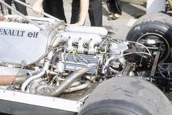 Il motore Renault con due turbine, nella RE30 di Rene Arnoux