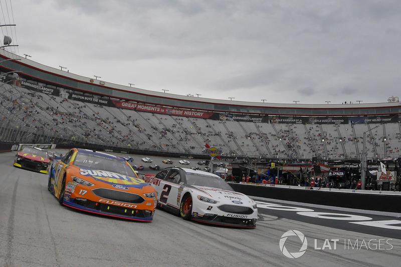 Ricky Stenhouse Jr., Roush Fenway Racing, Ford Fusion SunnyD, Brad Keselowski, Team Penske, Ford Fusion Discount Tire
