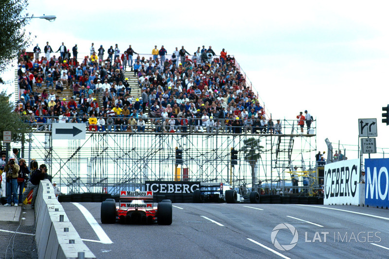 Жан Алезі, Tyrrell 018 Ford, Айртон Сенна, Mclaren MP4/5B