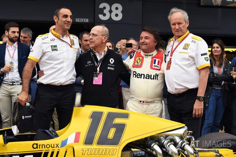 Cyril Abiteboul, Renault Sport F1 Managing Director, René Arnoux, Alex Mea, Jerome Stoll, Director of Renault Sport F1