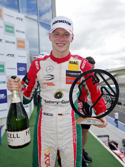 1.Maximilian Günther, Prema Powerteam Dallara F317 - Mercedes-Benz
