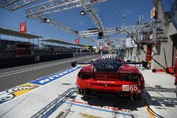 #65 Scuderia Corsa Ferrari 488 GTE: Крістіна Нільсен, Алессандро Балзан, Брет Кьортіс