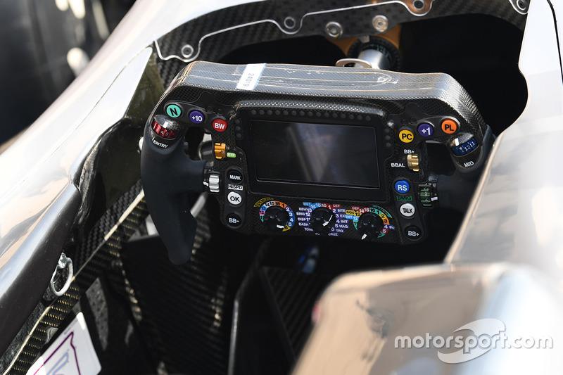 Mercedes AMG F1 W08, volante
