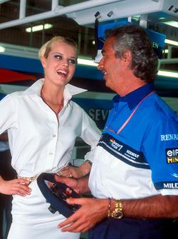 Flavio Briatore, Benetton, Teamchef, mit Eva Herzigova, Model