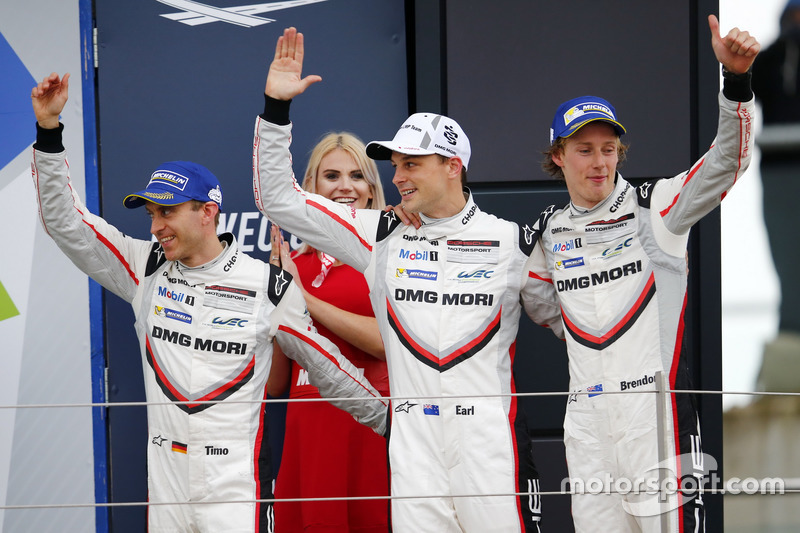 Podium: #2 Porsche Team Porsche 919 Hybrid: Timo Bernhard, Earl Bamber, Brendon Hartley