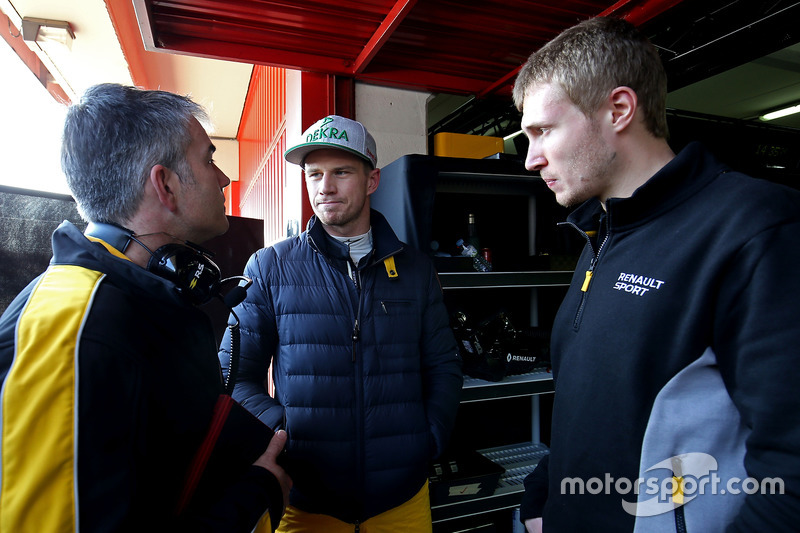 Nick Chester, Renault Sport F1 Team Chassis Technischer Direktor; Nico Hülkenberg, Renault Sport F1 Team und Sergey Sirotkin, Renault Sport F1 Team