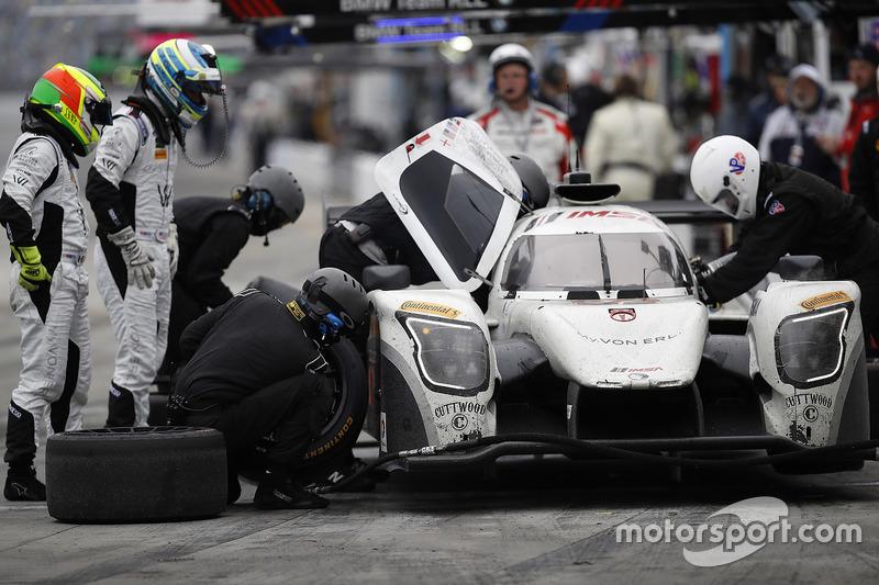 #52 PR1 Mathiasen Motorsports Ligier: Michael Guasch, R.C. Enerson, Tom Kimber-Smith, Jose Gutierrez, acción en pits
