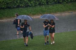 Данііл Квят, Scuderia Toro Rosso, зі своєю дівчиною Келлі Піквет