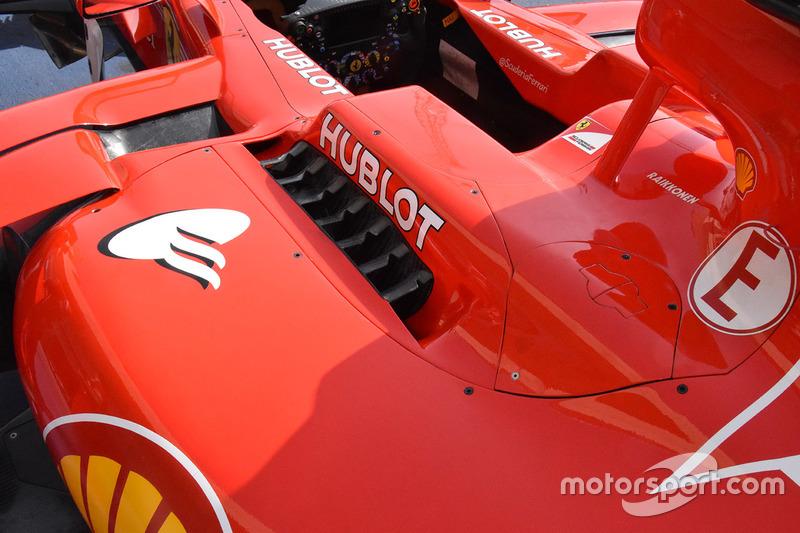 Ferrari SF70H: Cockpit
