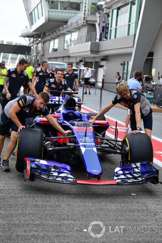 Scuderia Toro Rosso, Mehaniker, Scuderia Toro Rosso STR12