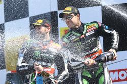 1. Jonathan Rea, Kawasaki Racing; 2. Tom Sykes, Kawasaki Racing