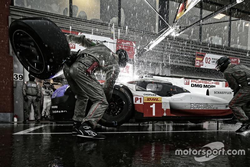 9. #1 Porsche Team Porsche 919 Hybrid: Neel Jani, Andre Lotterer, Nick Tandy