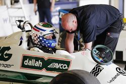 Mark Hazell prepares for a run in a Carlos Reutemann Williams FW07B