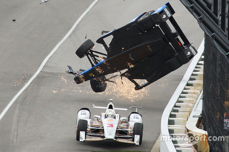 Choques de carrera de moto vintage Penske