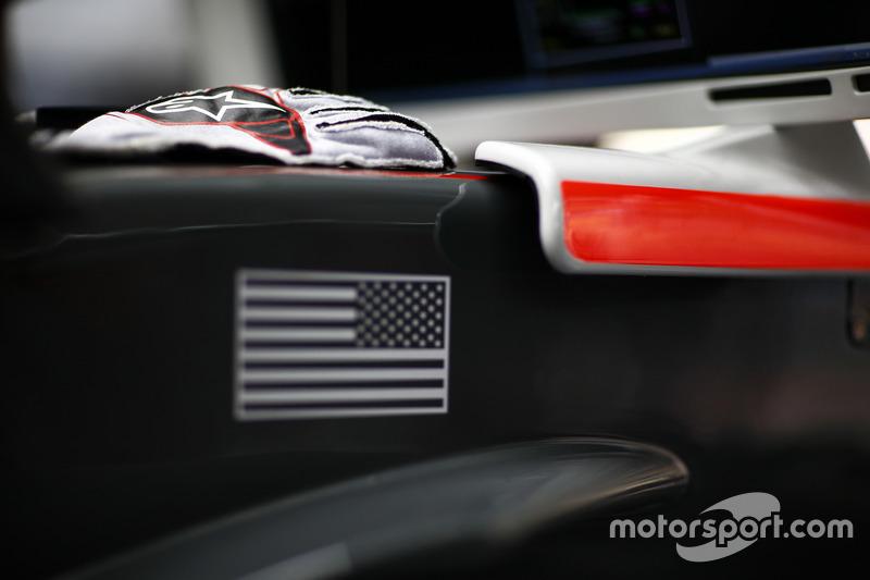 Gloves of Kevin Magnussen, Haas F1 Team
