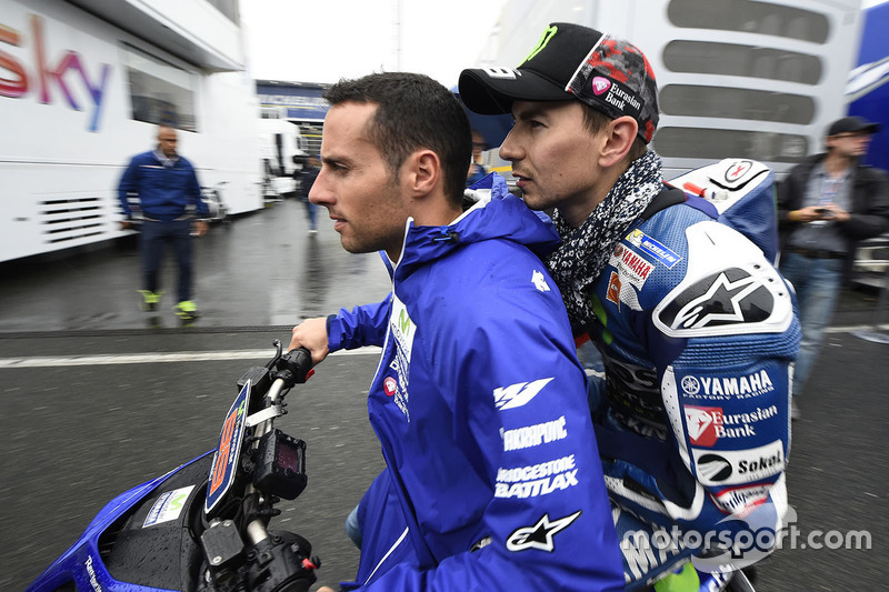 Jorge Lorenzo, Yamaha Factory Racing sullo scooter