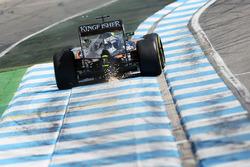 Nico Hulkenberg, Sahara Force India F1 VJM09 sacando chispas