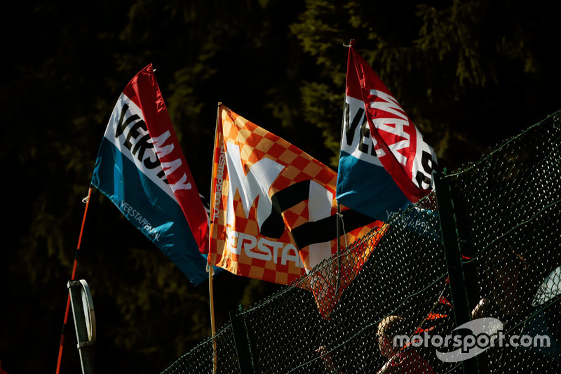 Flags for Max Verstappen, Red Bull Racing