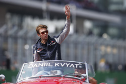 Daniil Kvyat, Scuderia Toro Rosso, pilotlar geçit töreninde