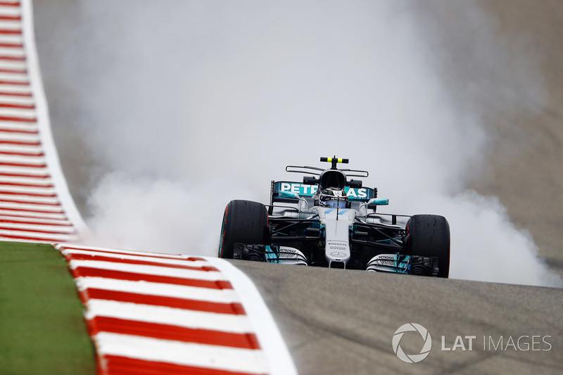 Valtteri Bottas, Mercedes AMG F1 W08, bloquea los frenos