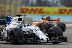 Felipe Massa, Williams FW40 lidera a Fernando Alonso, McLaren MCL32