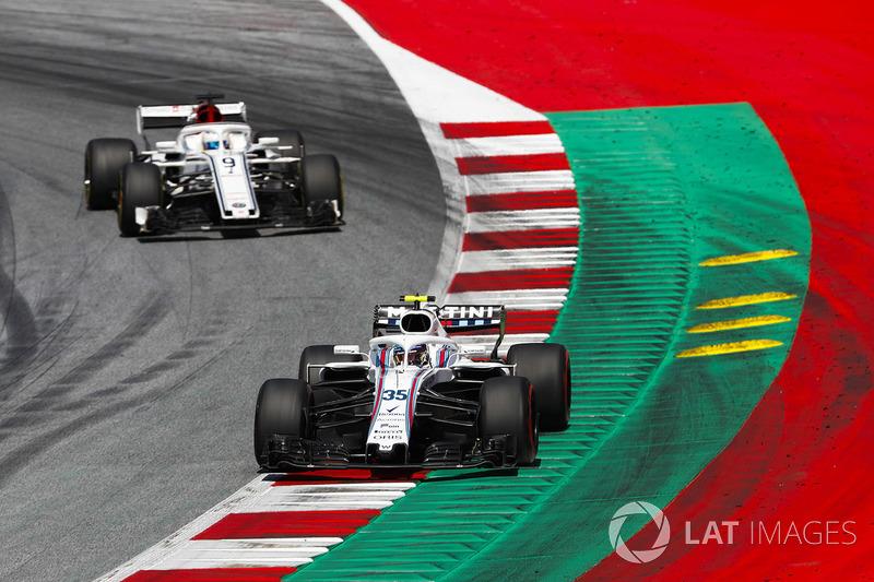 Sergey Sirotkin, Williams FW41, devant Marcus Ericsson, Sauber C37