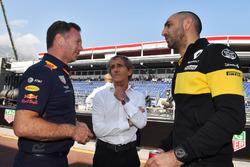 Руководитель Red Bull Racing Кристиан Хорнер, советник Renault Sport F1 Team Ален Прост и управляющий директор команды Renault Sport F1 Сириль Абитбуль