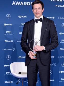 Toto Wolff, Direttore Esecutivo Mercedes AMG F1 con il Team award