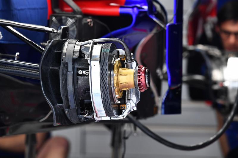 Scuderia Toro Rosso STR13 front brake and wheel hub detail