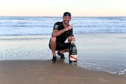 Jean-Eric Vergne, Techeetah, fête sa victoire sur la plage