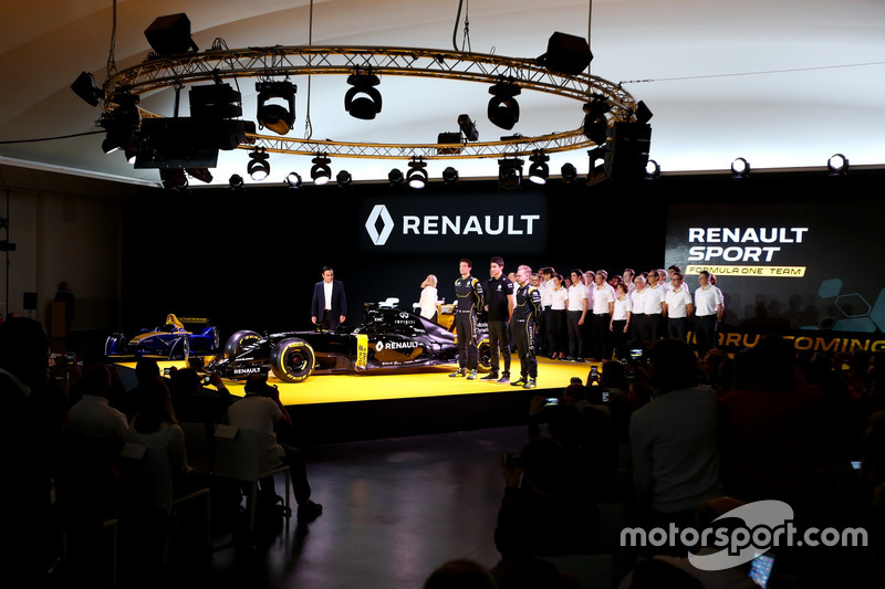 Carlos Ghosn, Renault President, Jolyon Palmer, Renault F1 RS.16 driver Renault Sport F1 team, Esteban Ocon, Renault F1 RS.16 test driver Renault Sport F1 team,  Kevin Magnussen, Renault F1 RS.16 driver Renault Sport F1 team