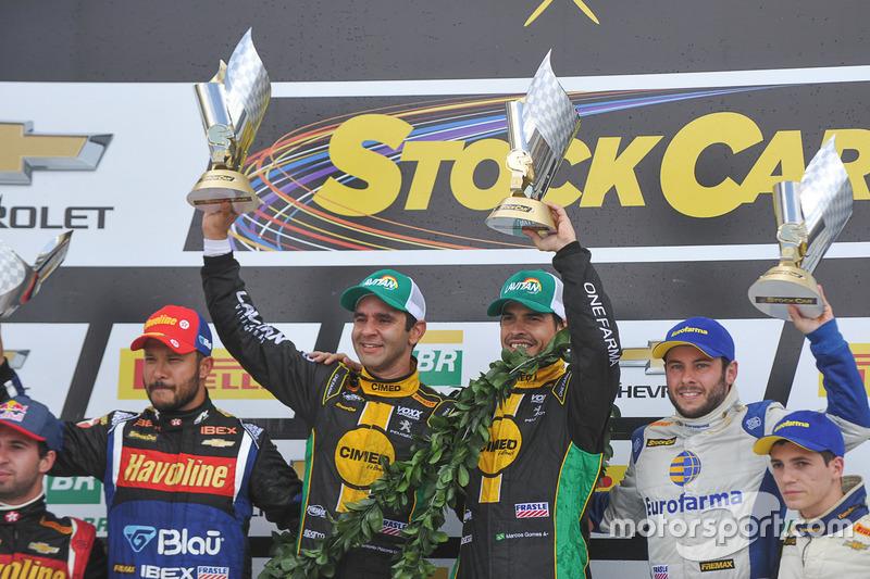 Pódio da corrida de duplas da Stock Car 2016 - Curitiba