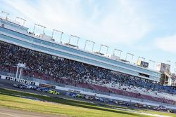 Ryan Truex, Hattori Racing Enterprises Toyota leads the field to the green flag