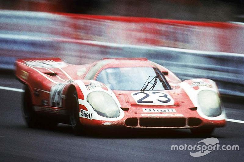 1970 год. Экипаж Porsche 917K Ханса Херрмана и Ричарда Эттвуда