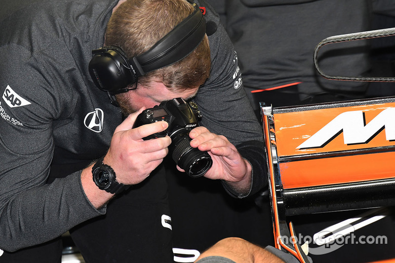 McLaren mechanic at work